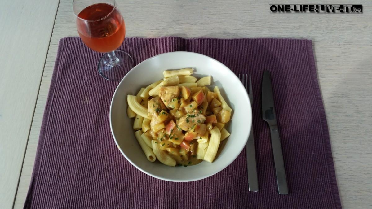 Kip kerrie met ananas en appel
