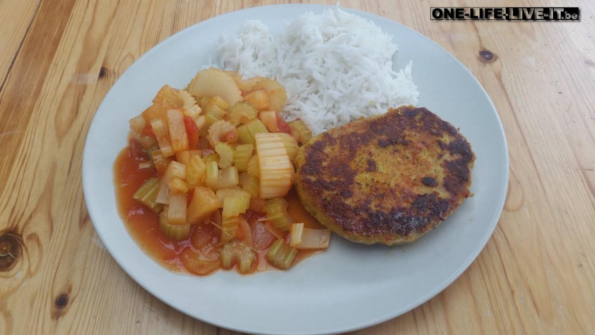Kalkoenschnitzel in zoetzure groenten