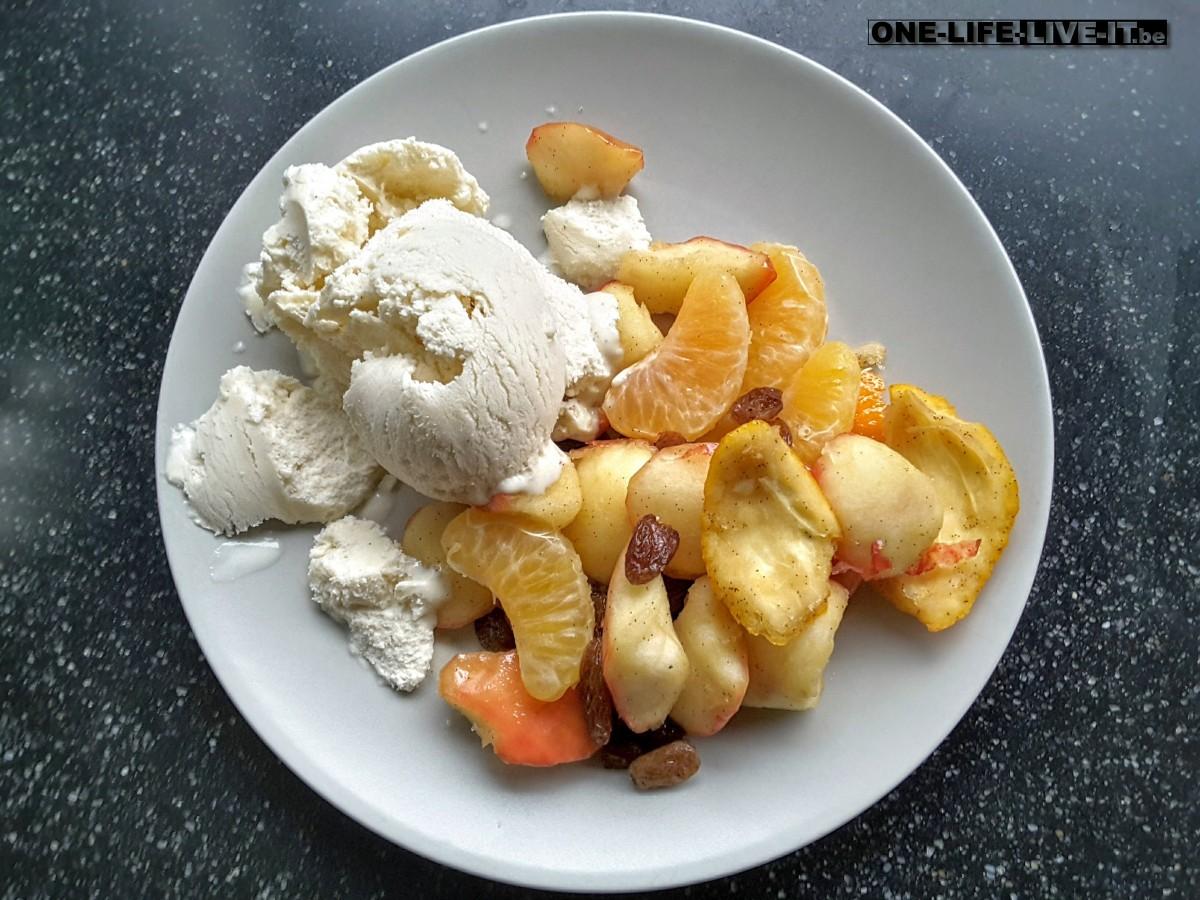 Gebakken appeltjes met calvados en huisgemaakt amandelijs