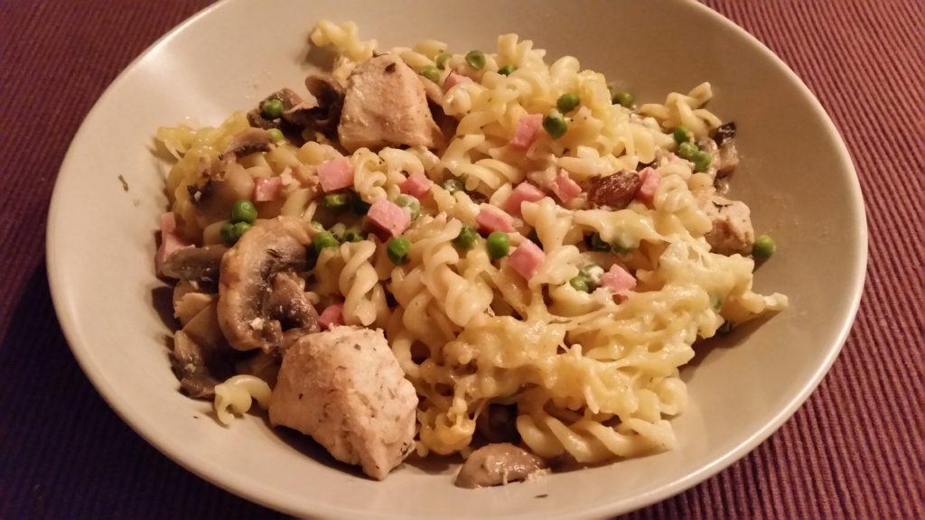 Ovenschotel met pasta en kip