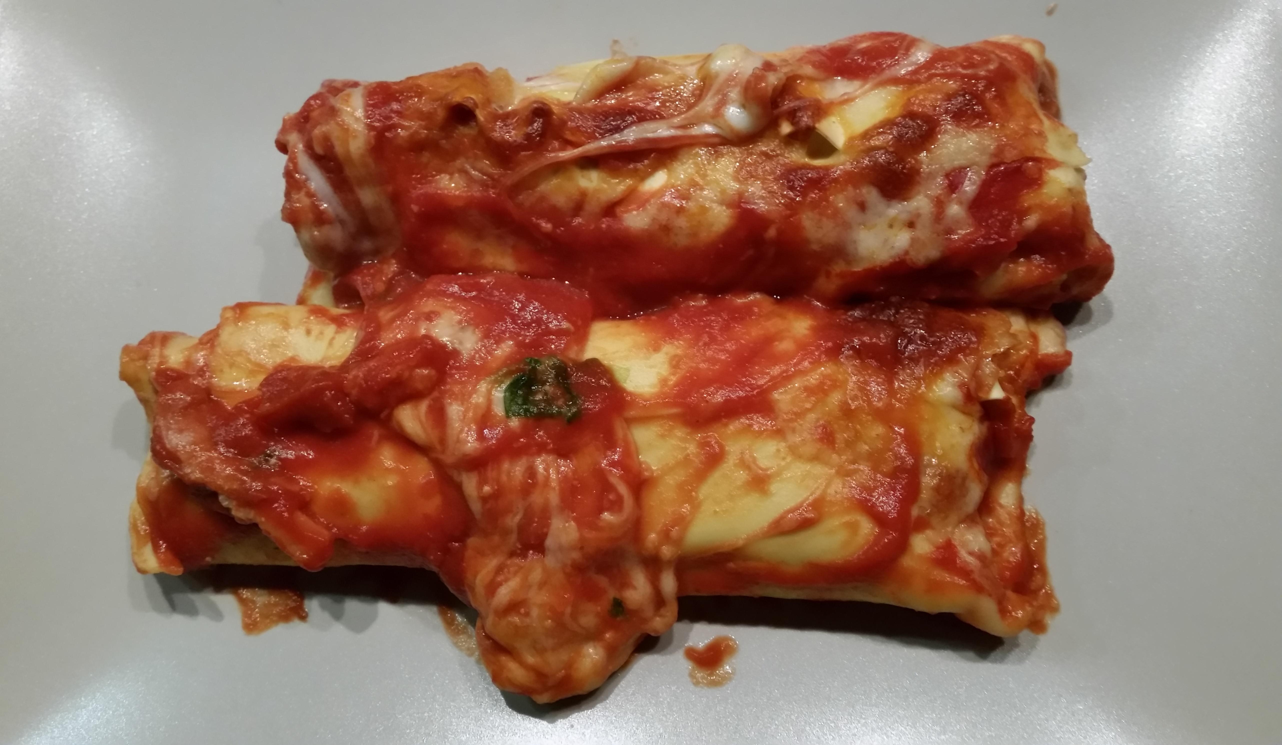 Cannelloni ricotta & spinaci in tomatensaus